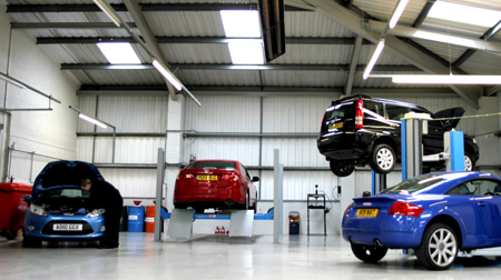 Ford servicing repairs and mot chester saunders for Garage ford reparation